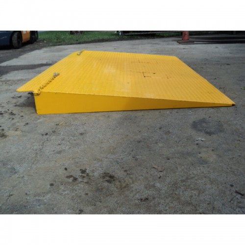 Forklift Container Ramp-New: Short  #A06 (a)