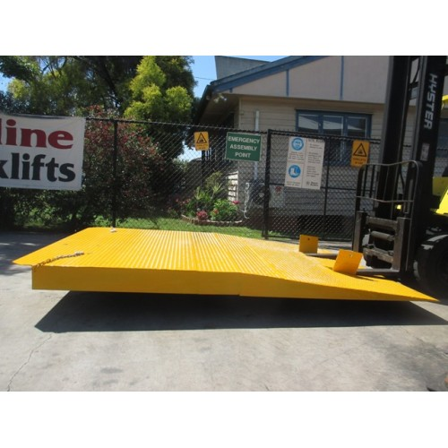 Container Ramps-2 Tier NEW #A06(c)